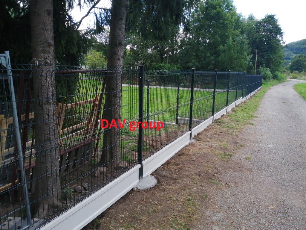 Kvalitný betónový plot LUKABETON