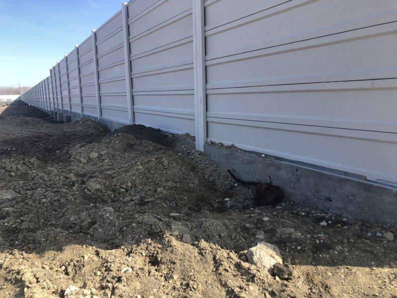V prípade ak zvažujete časť plotu zasypať zeminou